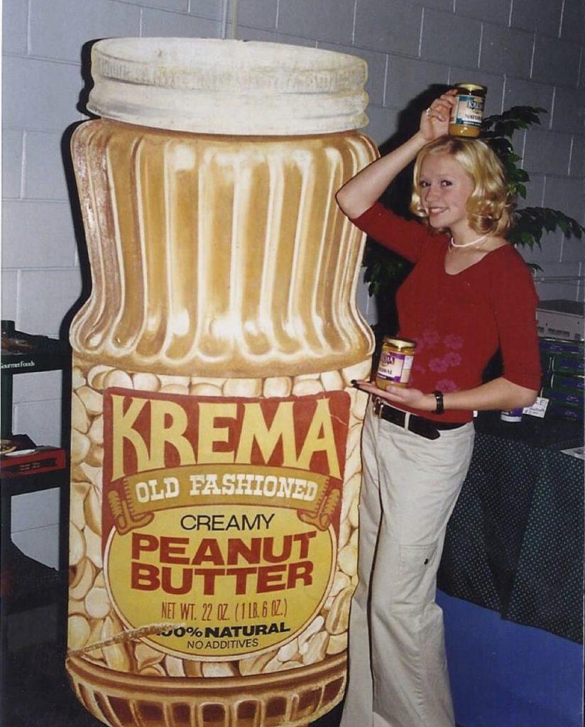 Old Kimmi with Krema Sign
